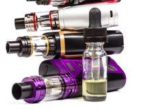 Coleção eletrônica dos cigarros no branco Imagem de Stock
