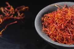 Coleção macro, fim secado real caro da especiaria do açafrão acima Fotografia de Stock Royalty Free