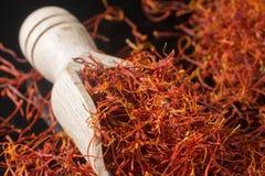 Coleção macro, fim secado real caro da especiaria do açafrão acima Foto de Stock