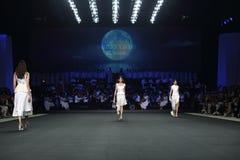 Coleção nova do desfile de moda Fotografia de Stock