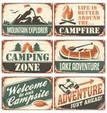Coleção retro de acampamento dos sinais Fotografia de Stock