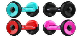 Coleção, um grupo de 'trotinette's de equilíbrio do auto da cor vermelha cor-de-rosa do céu preto e azul hoverboard colorido da p Foto de Stock
