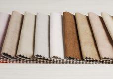 Colección brillante de sаmples coloridos de la materia textil del terciopelo Fondo de la textura de la tela Fotografía de archivo