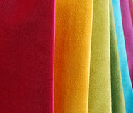 Colección brillante de sаmples coloridos de la materia textil del terciopelo Fondo de la textura de la tela Fotos de archivo libres de regalías