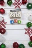 Colección colorida de bolas de la Navidad útiles como modelo del fondo Imagenes de archivo