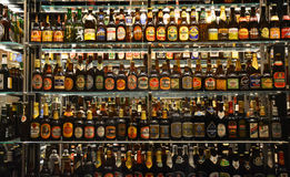 Colección de botella masiva de la cervecería de Carlsberg Foto de archivo libre de regalías