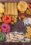 Colección de diversos tipos de pastas italianas Imagen de archivo