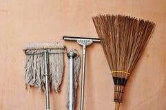 Colección de equipo de la limpieza Foto de archivo