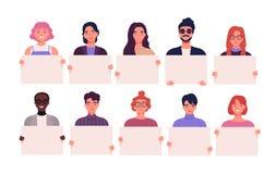 Colección de hombres jovenes y de mujeres sonrientes que llevan a cabo carteles limpios Paquete de varón alegre y de personajes d ilustración del vector