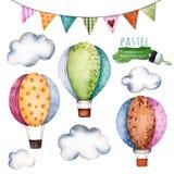 Colección de la acuarela con los balones de aire, las banderas de golpe ligero y las nubes
