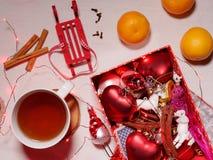 Colección de la Navidad, regalos y ornamentos decorativos Foto de archivo libre de regalías