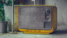 Colección de la televisión portátil del vintage vieja imagenes de archivo