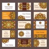 Colección de las tarjetas de visita Ornamento para su diseño con la mandala del cordón Fondo del vector Indio, árabe, adornos del Foto de archivo