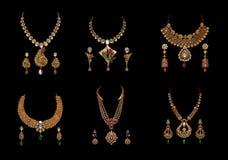 Colección de neclaces del diamante con los pendientes Imagenes de archivo