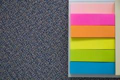 Colección de nota colorida del papel de los posts Imagen de archivo