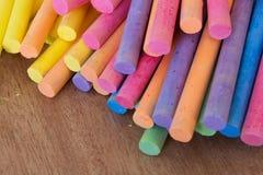 Colección de palillo coloreado de la tiza Fotos de archivo