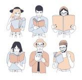 Colección de retratos de los hombres y de las mujeres que leen los libros de papel y electrónicos aislados en el fondo blanco Sis ilustración del vector