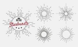 Colección de sistema retro exhausto del resplandor solar de la mano de 5 starbursts retros Ejemplo de Ver stock de ilustración