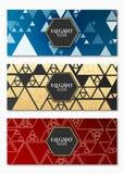 Colección de tarjetas de lujo elegantes para su diseño Diseño geométrico Triángulos de oro caóticos Brillos de oro Tarjeta de fel stock de ilustración