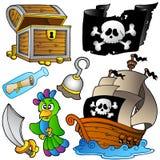 Colección del pirata con la nave de madera Fotos de archivo