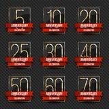 Colección del ` s del logotipo del aniversario 5to, 10mo, vigésimo, 25to, trigésimo, 40.o, 50.o, 60.o, 70.os logotipos del oro de Fotografía de archivo