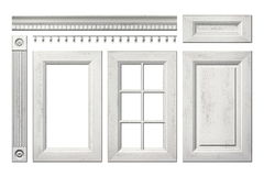 Colección delantera de puerta de madera vieja, cajón, columna, cornisa para el armario de cocina aislado en blanco Imagen de archivo