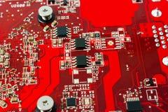 Colección electrónica - componentes electrónicos en el PWB Imagenes de archivo