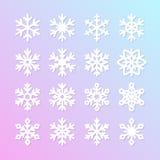 Colección linda del copo de nieve aislada en fondo azul Los iconos planos de la nieve, nieve forman escamas silueta Elemento agra ilustración del vector