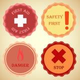 Colección retra de la insignia de advertencia Imágenes de archivo libres de regalías