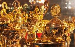 Colección de tazas del oro Imagen de archivo