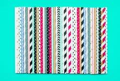 Colecciones coloridas de la paja en fondo en colores pastel Partido fotografía de archivo libre de regalías