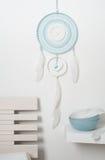 Colector ideal azul con las plumas blancas Fotografía de archivo libre de regalías