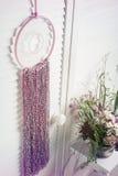 Colector ideal rosado con las flores Foto de archivo libre de regalías