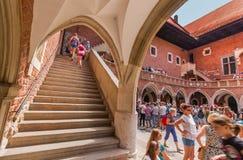 Colegio Maius-Jagiellonian Universidad-Kraków (Cracovia) - Polonia de la visita de los turistas Imágenes de archivo libres de regalías
