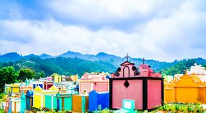 Colerfulbegraafplaats door stad van Chichicastenango - Guatemala royalty-vrije stock foto