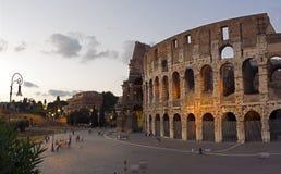 Coleseum por la tarde, Roma, Italia Imagen de archivo libre de regalías