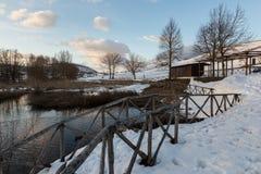 Colfiorito Umbria sjö i vinter, med snö lite varstans, träd Royaltyfri Fotografi