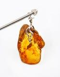 Colgante ambarino báltico Imagenes de archivo
