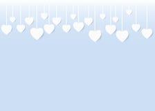 Colgante blanco de los corazones de la tarjeta de la tarjeta del día de San Valentín Imagen de archivo libre de regalías