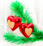 Colgante rojo de los corazones Fotos de archivo libres de regalías