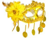 Colgantes del oro de la máscara de la mascarada aislados Fotos de archivo
