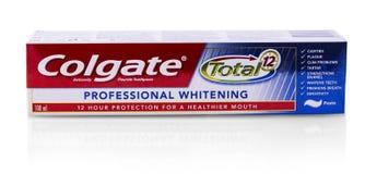 Colgate-tanddeeg op wit Colgate is een merk van tandpasta die door Colgate-Palmolive wordt veroorzaakt stock foto's