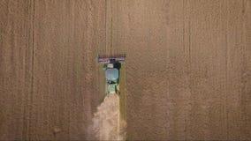 Colhendo a vista aérea Cena da agricultura video estoque