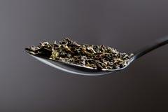 Colher de chá de ervas fotos de stock royalty free