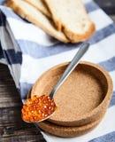 Colher do caviar vermelho Fotos de Stock Royalty Free