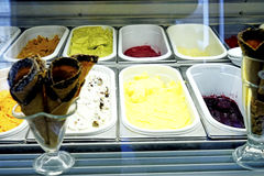 Colheres do gelado - sabores sortidos Foto de Stock