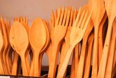 Colheres e forquilhas da madeira Foto de Stock Royalty Free