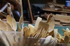 Colheres e forquilhas de madeira Foto de Stock Royalty Free