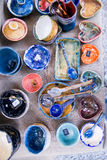 Colheres e pratos decorativos imagens de stock royalty free