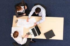 Coligação - cooperação do grupo de pessoas Imagens de Stock